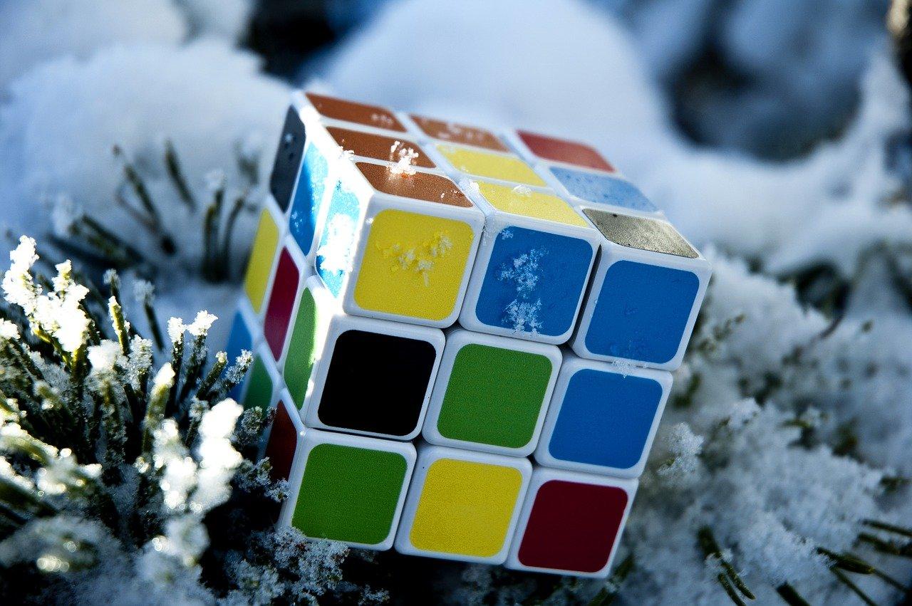 rubiks-cube-g73be4897b_1280